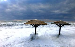 Все пляжи Сочи закрыты из-за непогоды