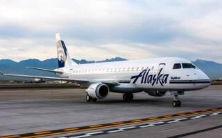 Пассажир выпрыгнул из движущегося самолета после попытки проникнуть в кабину пилотов