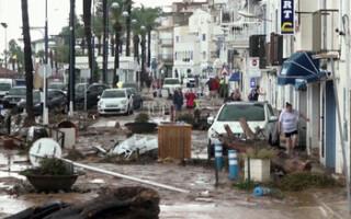 Каталония страдает от наводнений (ВИДЕО)